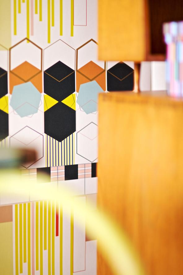 Motifs géométriques et couleurs pastels