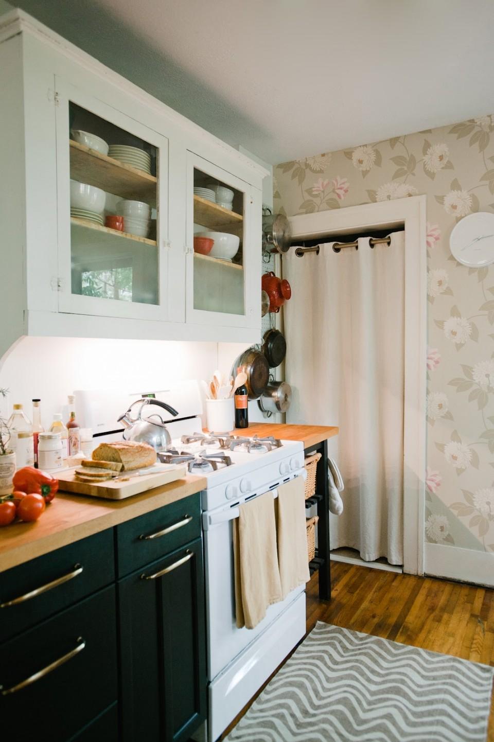 Cuisine aux couleurs douces et à la décoration vintage