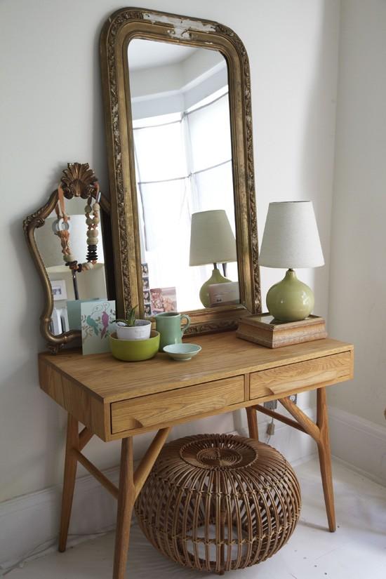 miroir magique aux murs frenchy fancy. Black Bedroom Furniture Sets. Home Design Ideas
