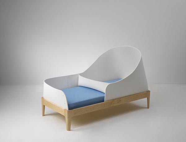 Un petit lit confortable pour la chambre de bébé