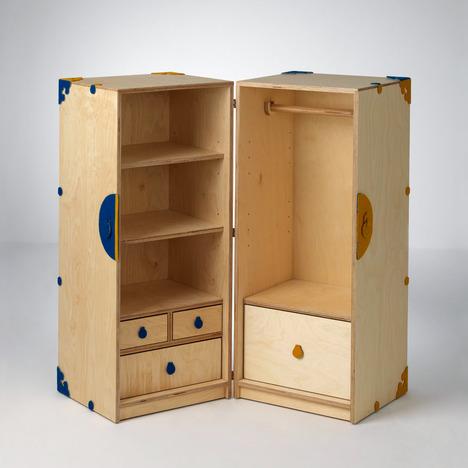 Une armoire pour les affaires de bébé