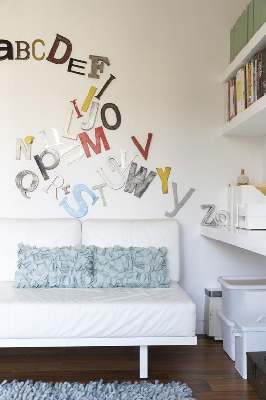 Mur aux motifs typographiques