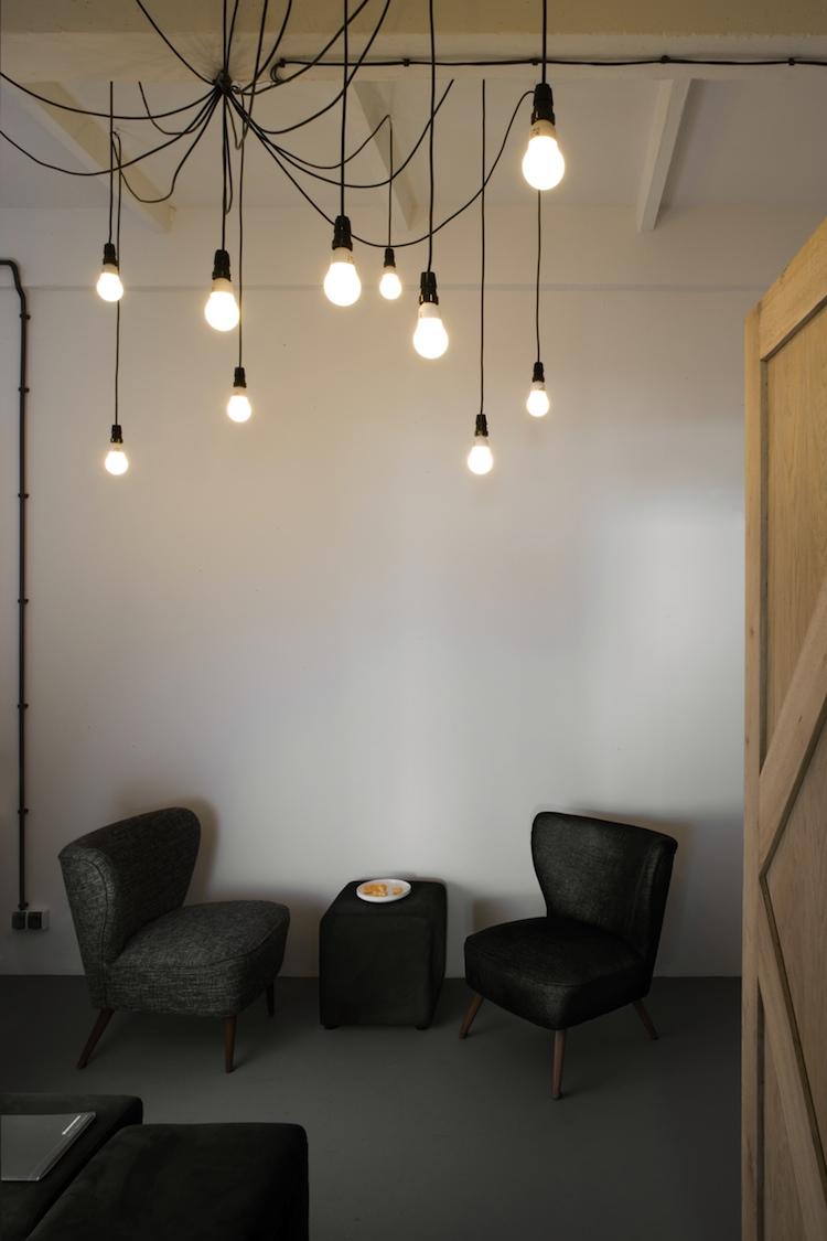 un appartement design et chic frenchy fancy. Black Bedroom Furniture Sets. Home Design Ideas