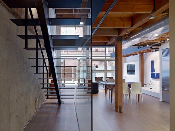 Escalier design et garde corps en verre