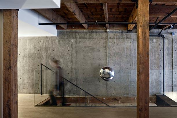 Dans ce loft, on mélange les styles industriel, vintage et contemporain