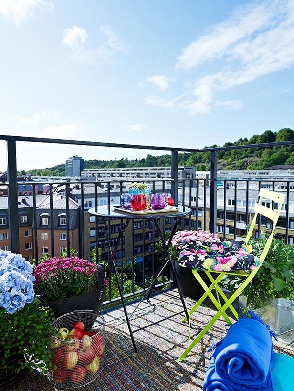 Le balcon et la vue sur le paysage scandinave
