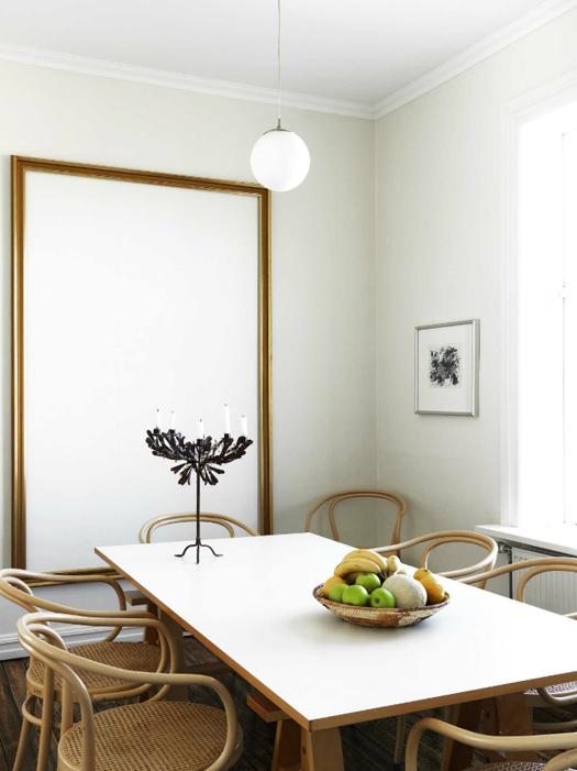 La salle à manger de l'appartement