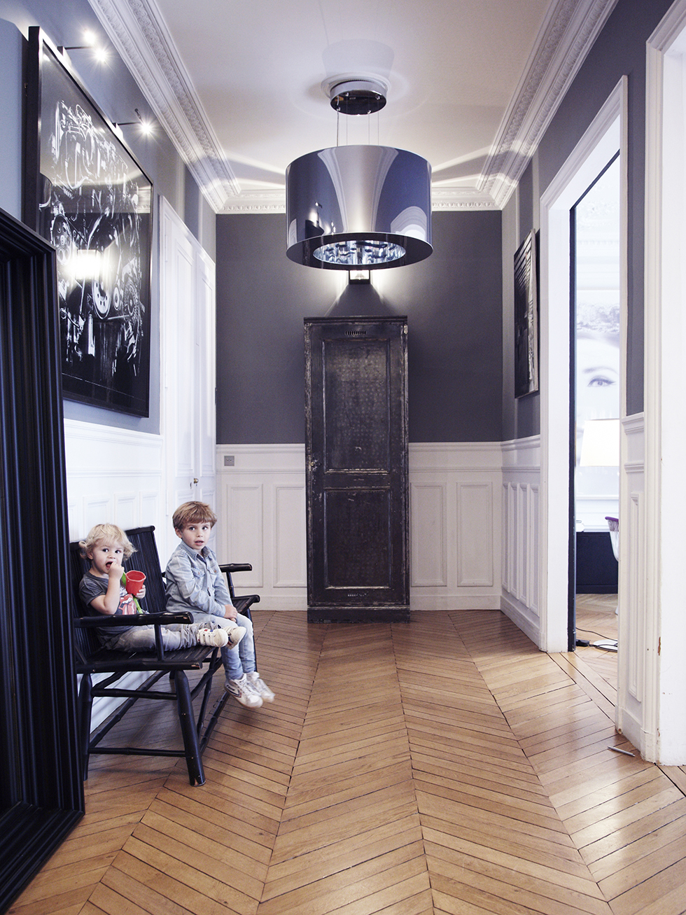 Un int rieur parisien so chic frenchy fancy - Idee amenagement placard entree ...