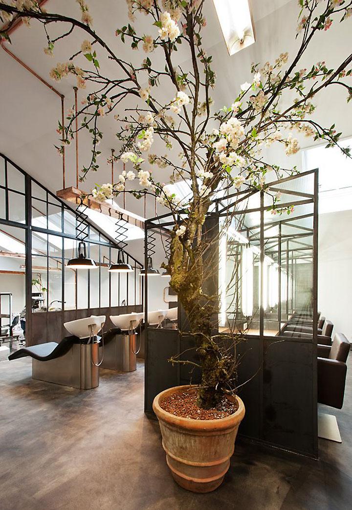 Un Salon De Coiffure Atypique Et Branche Frenchy Fancy