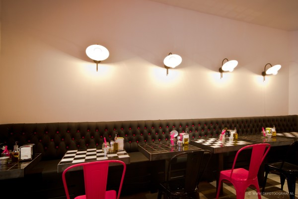 pink flamingo un restaurant tr s d co frenchy fancy. Black Bedroom Furniture Sets. Home Design Ideas