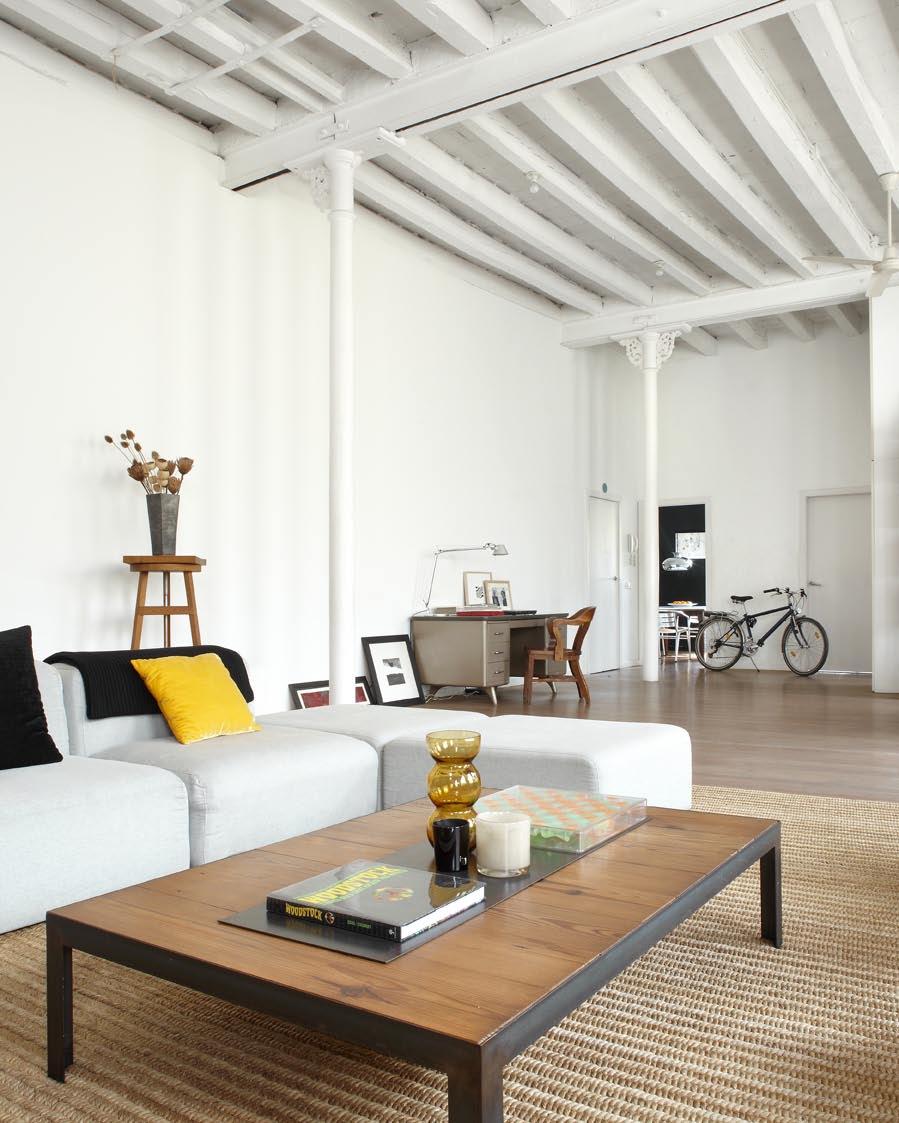 Style industriel et minimaliste sont de rigueur pour ce loft
