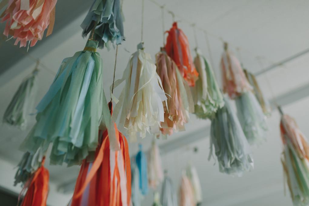 Des pompoms aux couleurs douces
