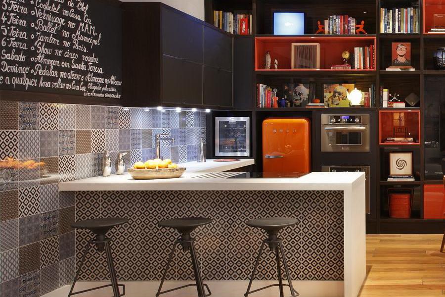 La cuisine et son coin salle à manger