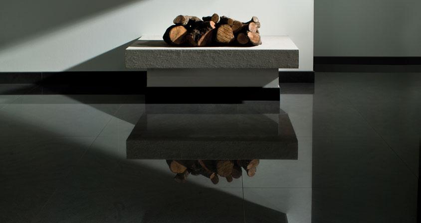 Un sol poli noir, très classique