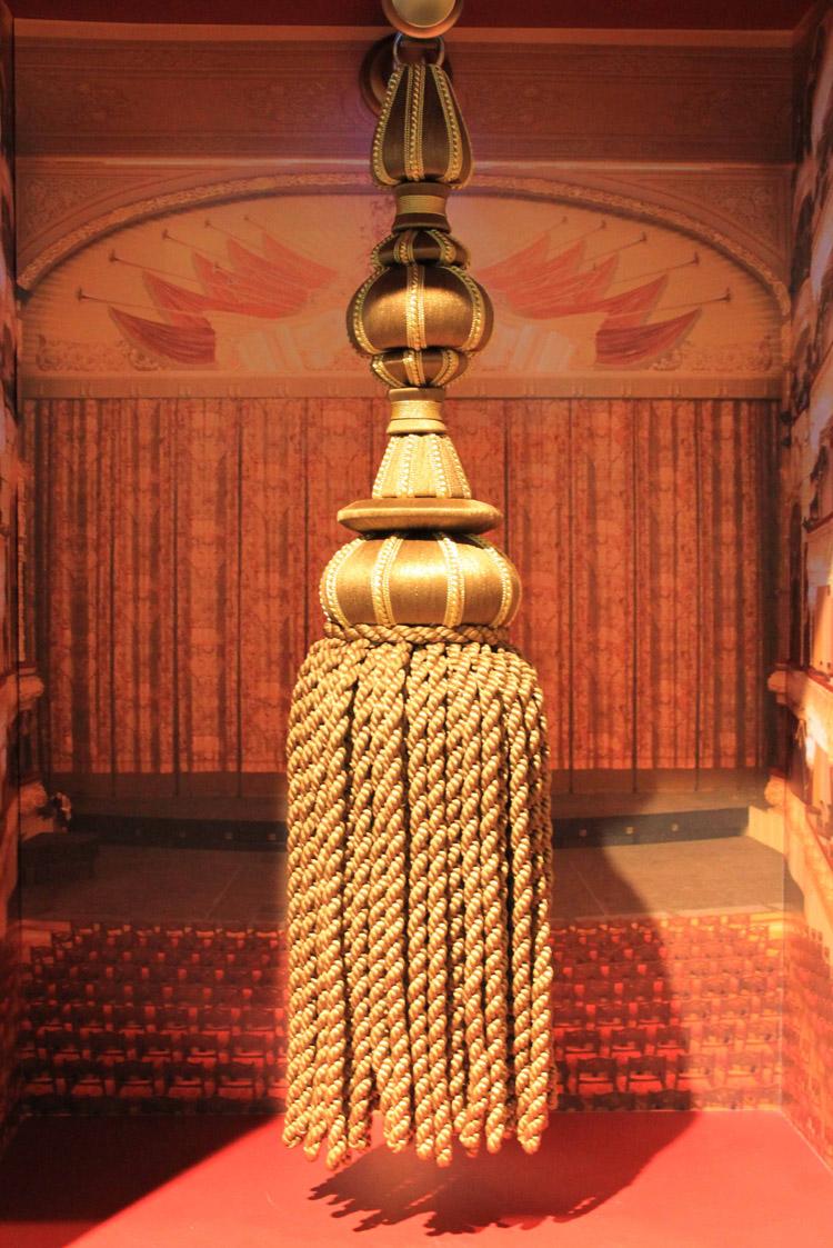 L'embrasse de rideau du théâtre Bolchoï en Russie