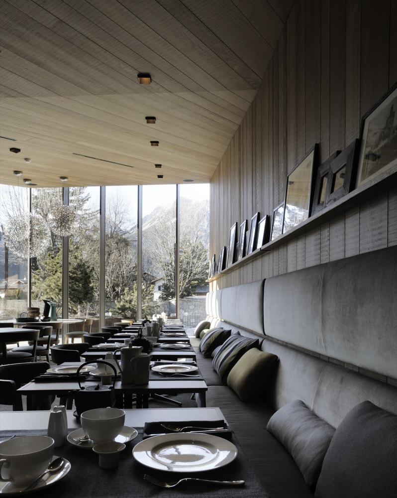 Le restaurant et sa vue sur les montagnes italiennes