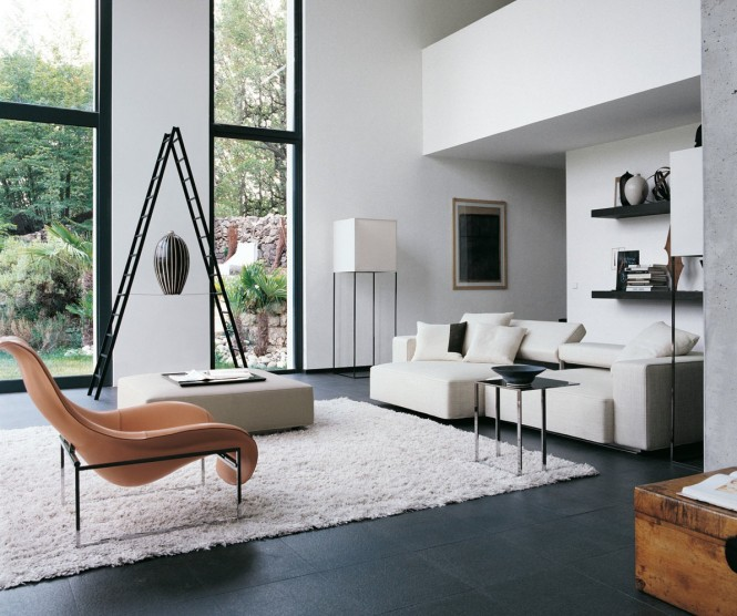 Le séjour, où la décoration et le mobilier sont signés B&B Italia
