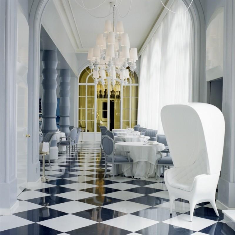 La salle de réception très lumineuse