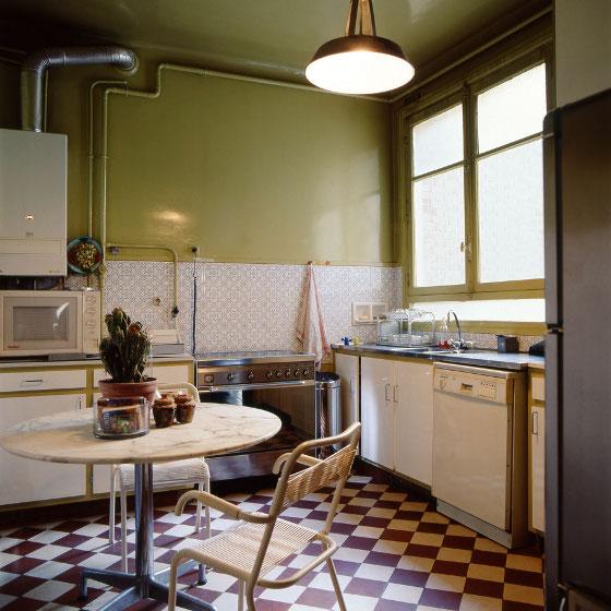 La cuisine est dans les tons verts