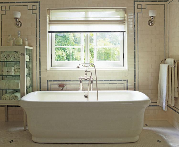 Une salle de bain très classique