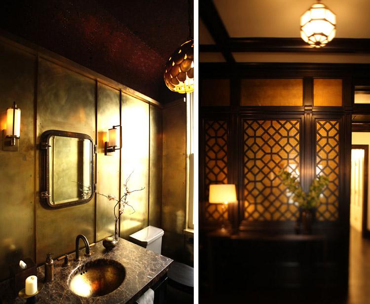 Une salle de bain aux murs dorés patinés