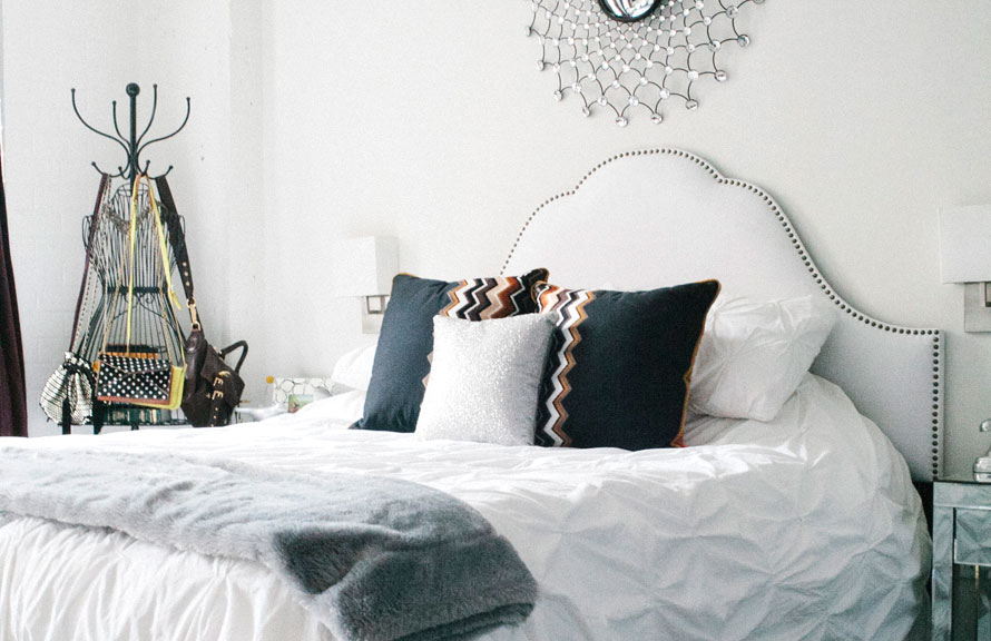 La chambre, claire et lumineuse