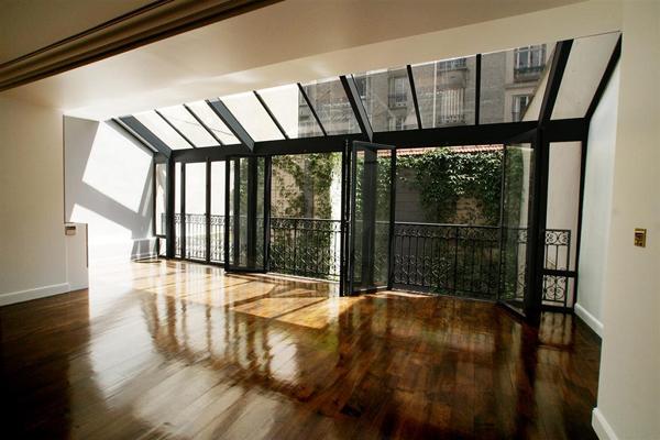 Appartement avec grandes baies vitrées