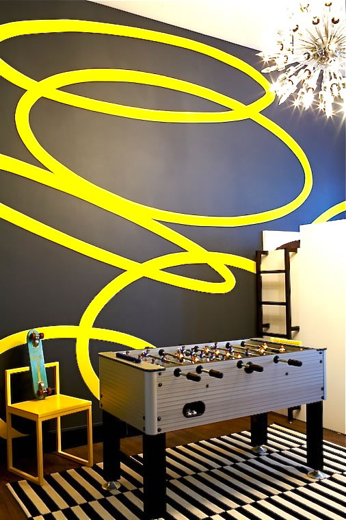 Un appartement au style chic et vintage brooklyn frenchy fancy - Mur gris et jaune ...