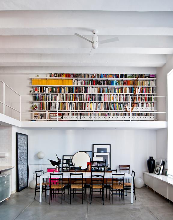 Un loft où les livres font la déco - FrenchyFancy