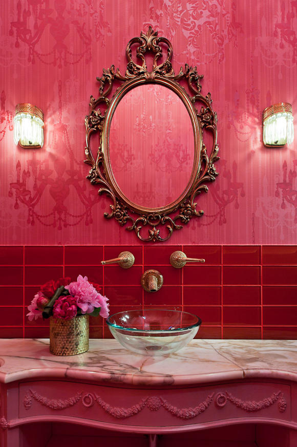 Un salon de coiffure au style glam 39 rock frenchy fancy for Photo salon contemporain baroque