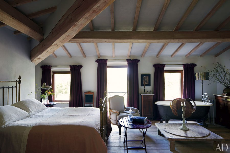 Une maison au charme rustique en italie frenchy fancy for Decoration chambre rustique