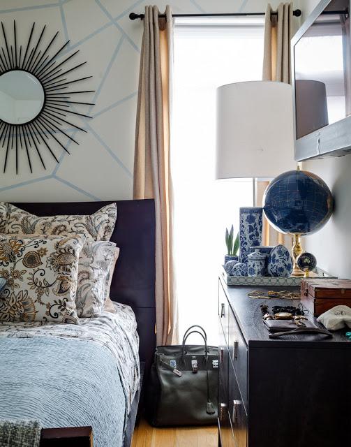 Chambre dans les tons bleu et blanc