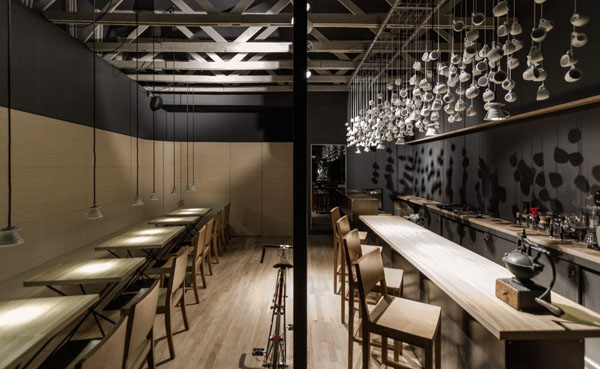 Scénographie dans un bar à Bucarest