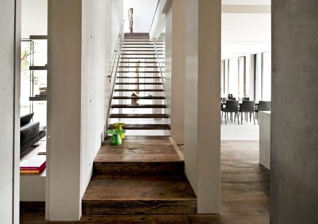 Escalier en bois pour réchauffer l'atmosphère