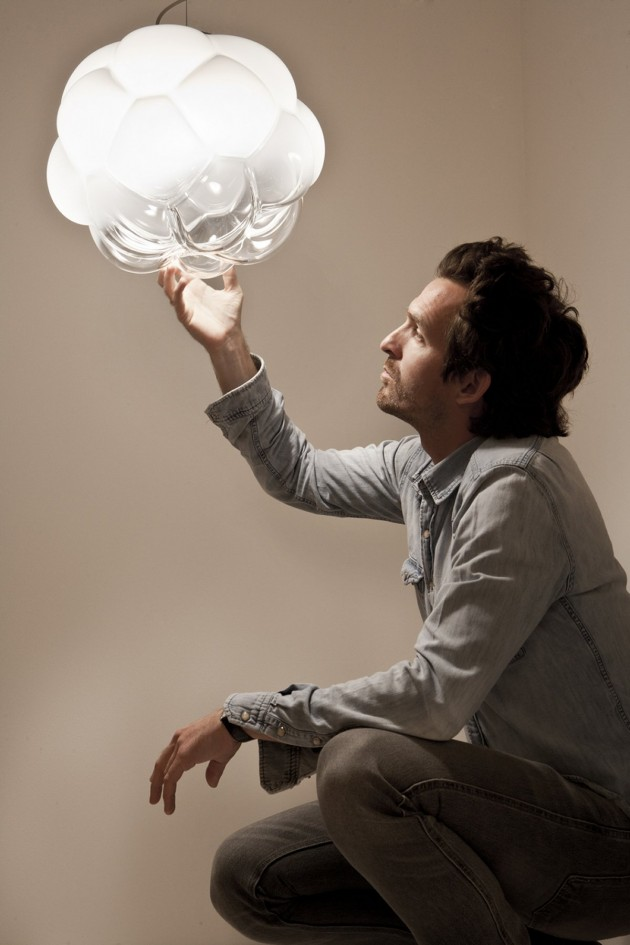 Un luminaire qui évoque la forme d'un nuage. Doux et poétique !