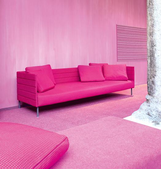Mobilier d'extérieur rose
