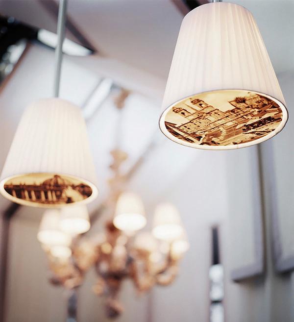 Luminaires design dans le restaurant de l'hôtel