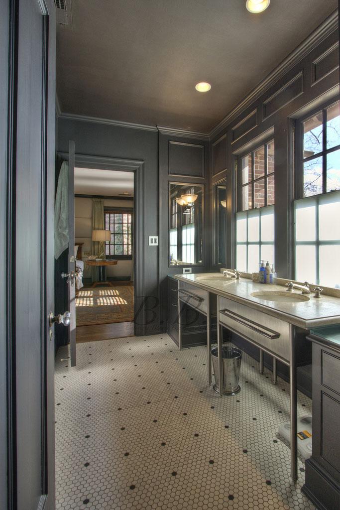 Inspirations osez peindre votre plafond frenchy fancy for Peindre carreaux salle de bain