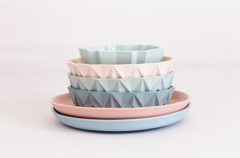 Vaisselle aux couleurs pastels