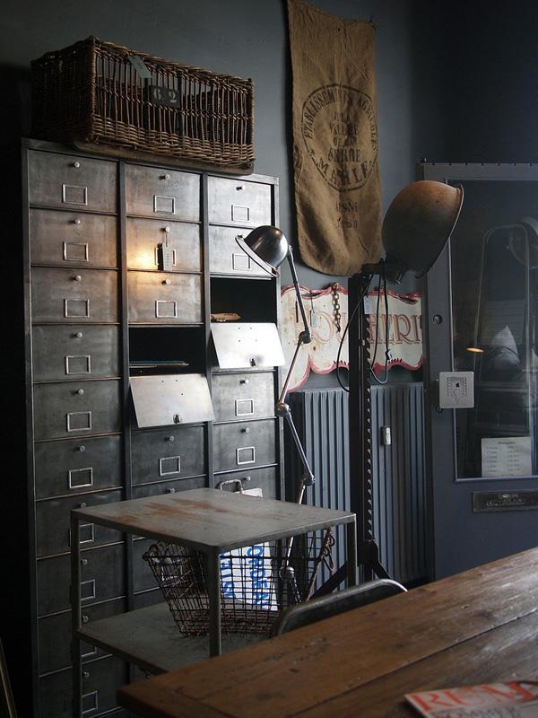 pour l 39 amour des meubles industriels frenchy fancy. Black Bedroom Furniture Sets. Home Design Ideas