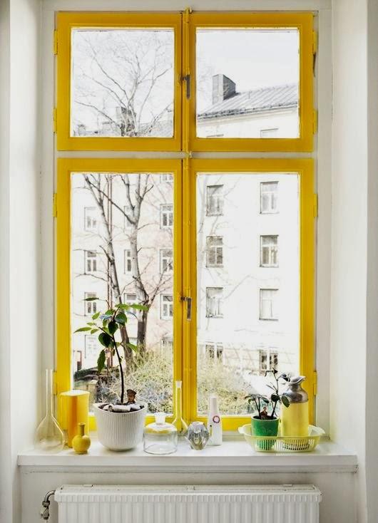 Peindre ses fenêtres en jaune