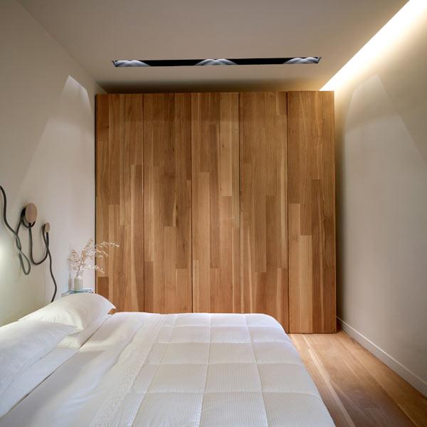 Un int rieur teint de bois et de blanc frenchy fancy for Decoration porte interieur bois