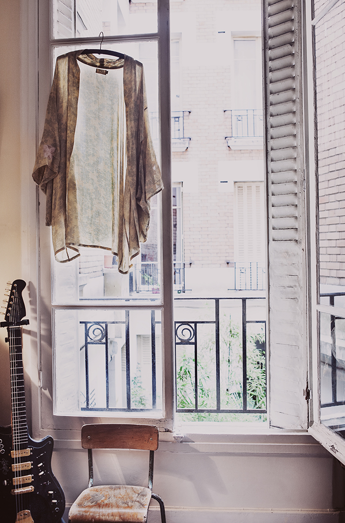 http://frenchyfancy.com/wp-content/uploads/2013/11/Our-flat-in-Paris-%C2%A9-Anna-Malmberg-18.jpg