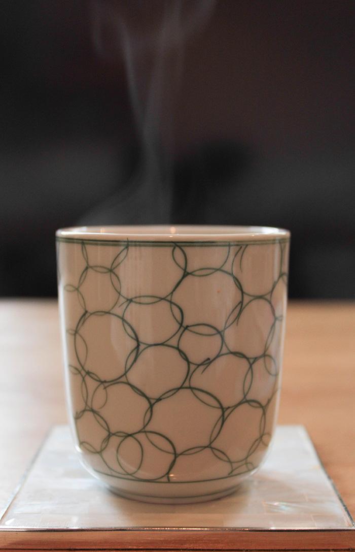 Tasse style asiatique et thé Lov Organic