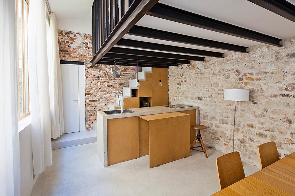 Loft verri re style atelier d 39 artiste paris frenchy - Cuisine style atelier artiste ...
