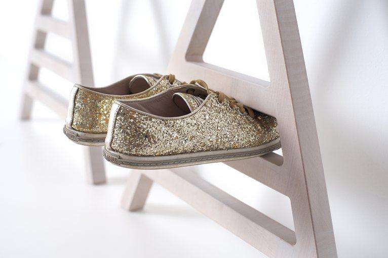 Chaussures dorées à paillettes