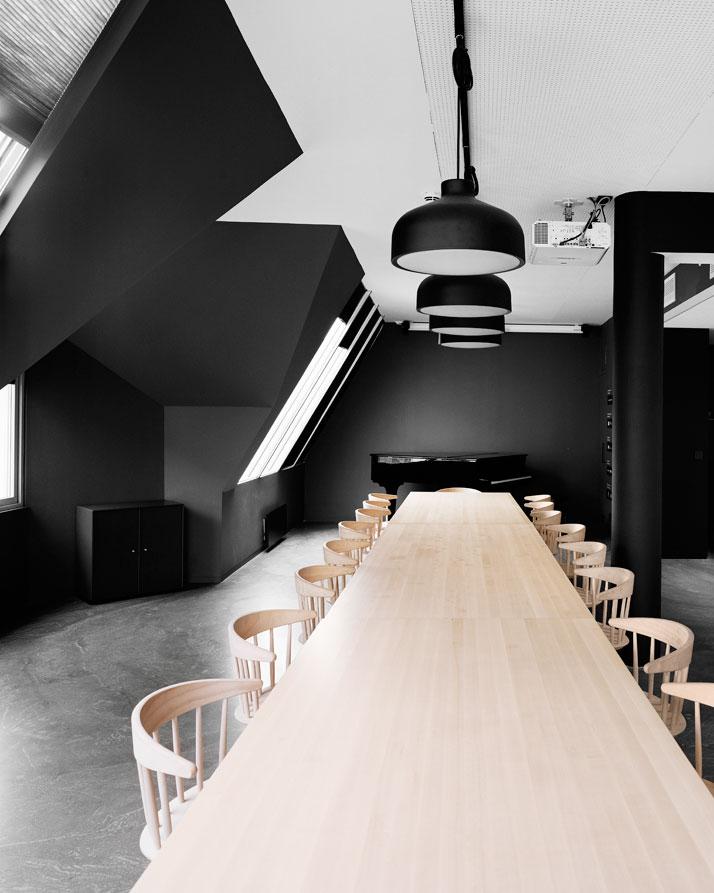 Décoration noir blanc bois