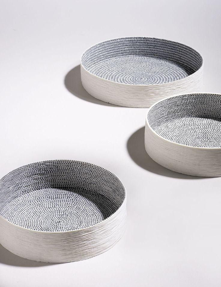Bols en céramique avec motifs graphiques
