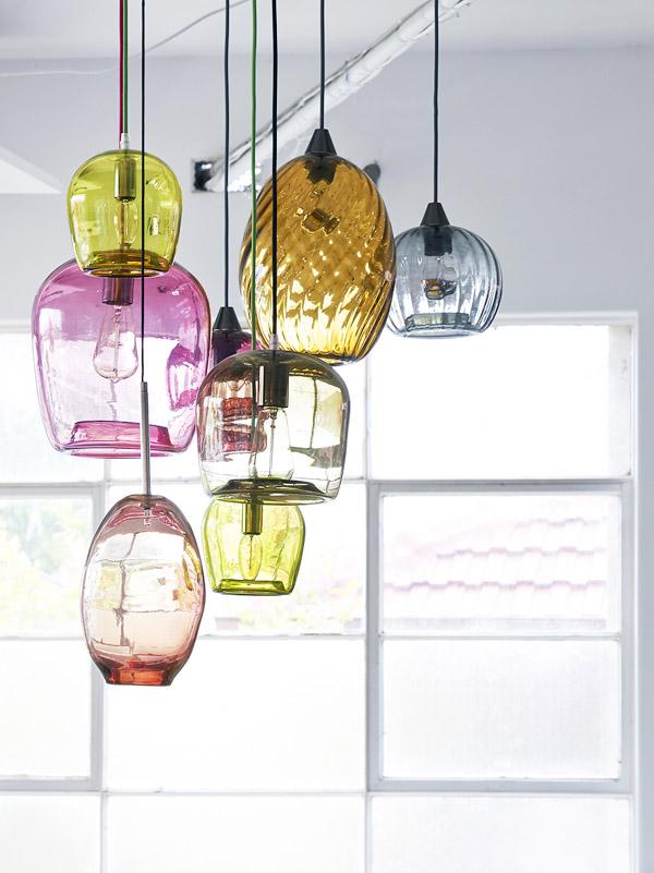 Luminaire en verre de toutes les couleurs