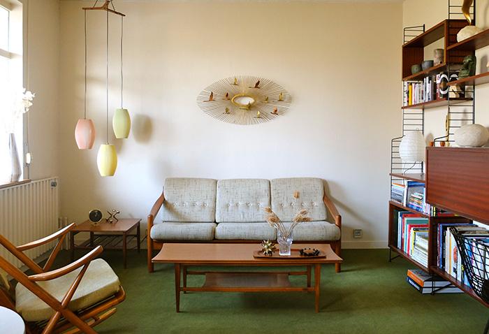 Bibliothèque String et mobilier scandinave